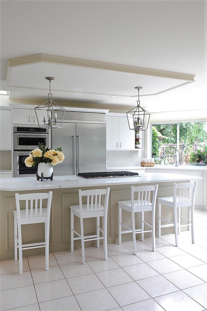 Kitchen Island Angled to Window