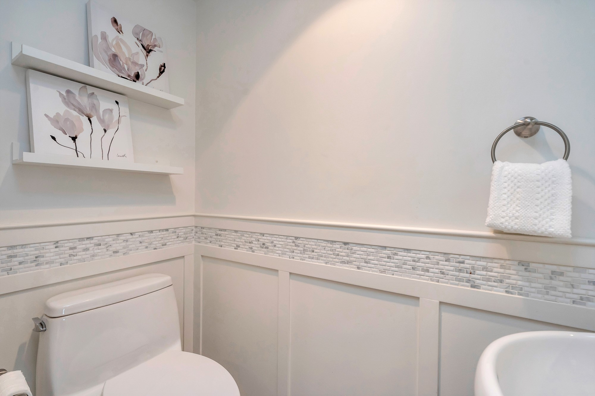 Jellicoe Bathroom Larger